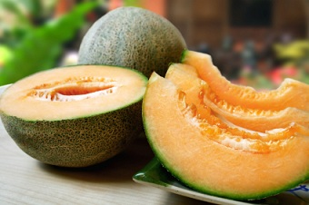 Melon Nutrition Facts Health Benefits Of Melon The cantaloupe, rockmelon (australia and new zealand), sweet melon, or spanspek (south africa) is a melon that is a variety of the muskmelon species (cucumis melo) from the family cucurbitaceae. melon nutrition facts health benefits